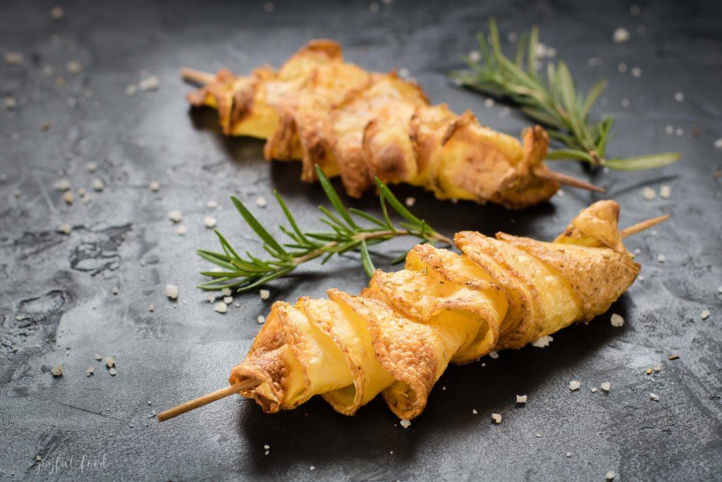 Knusprige Spiralkartoffel-Spieße für den Airfryer oder Backofen - Joyful Food