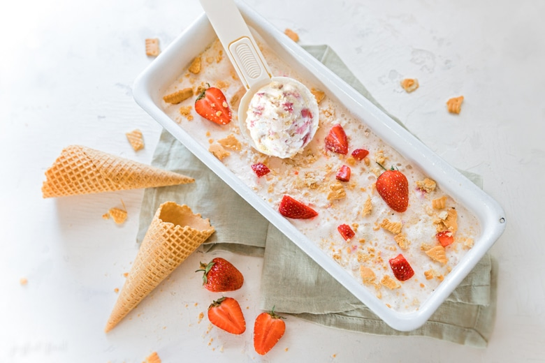 Super leckeres Eis Rezept - Strawberry Cheescake mit MinusL | Joyful Food